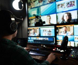 carbonfilm-virtual-live-stream-desk-setup